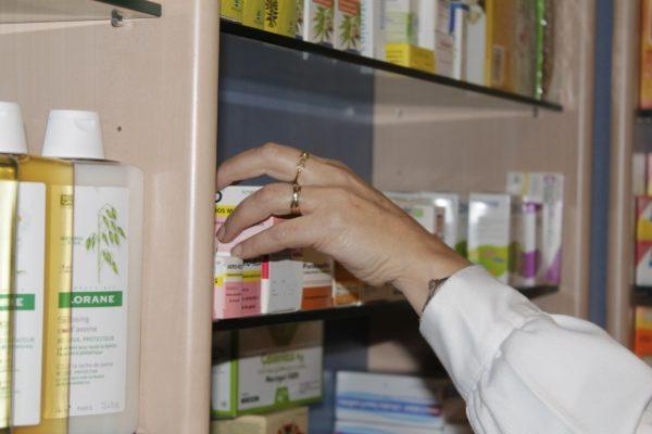 El Govern debe 220 millones a las farmacias catalanas