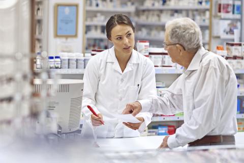 El futuro de la farmacia pasa por la oferta de servicios asistenciales | Fuente: Farmacosmética2016.com