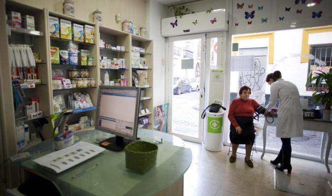 Las farmacias andaluzas deberán separar espacios para atender consultas y dispensar medicamentos | Fuente: El correo web